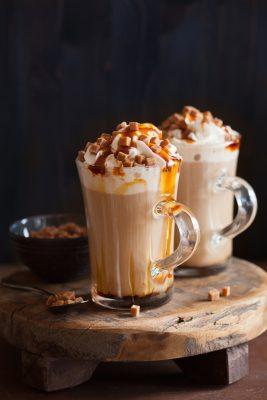latte met caramel bij Daisy's